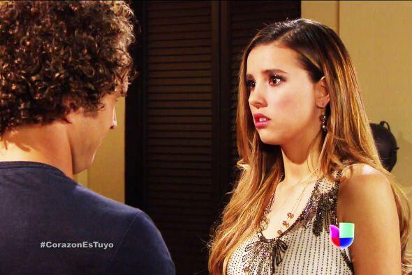 Recuerda lo que te dijo Ana, tu primera vez debe ser romántica y un boni...