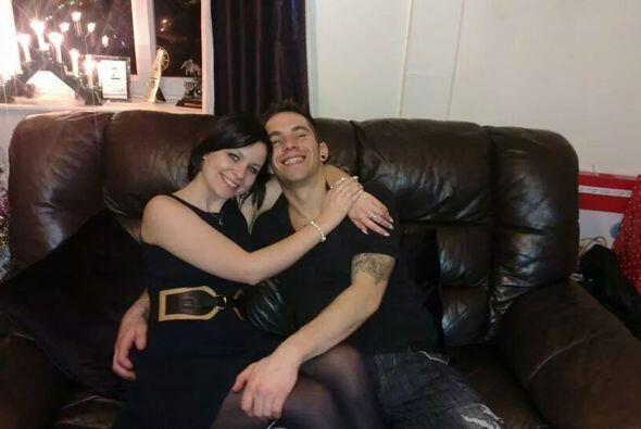 El día de navidad  no pudo ser peor para John cuando su novia Amy...