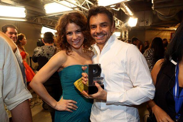 Alessandra Rosaldo muy orgullosa de su esposito, Eugenio Derbez.