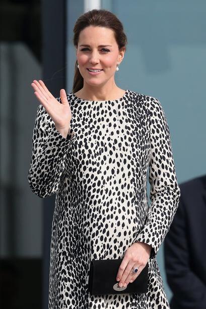 Kate visitó también una galería de arte.