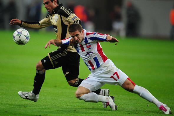 Benfica visitó al desconocido Otelul Galati y no defraudó.