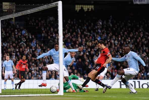 Se adelantó el Manchester United gracias a este gol de Ryan Giggs al cua...