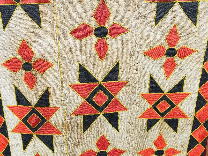 Un tejido hecho a mano en Camerún implica meses de trabajo.