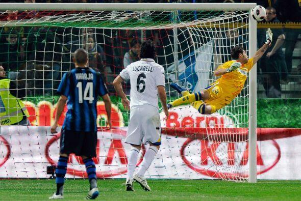 Pocas llegadas del equipo dirigido por Leonardo, Inter. Muy poco mostró...