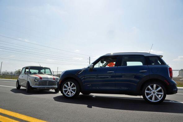 El nuevo MINI Cooper Countryman, el primer modelo de la marca con cuatro...