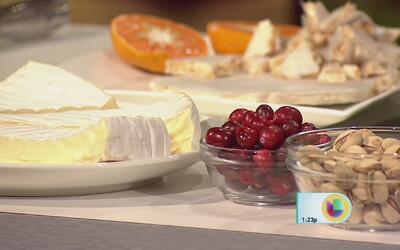 Tapas de queso brie con cranberries y turrón