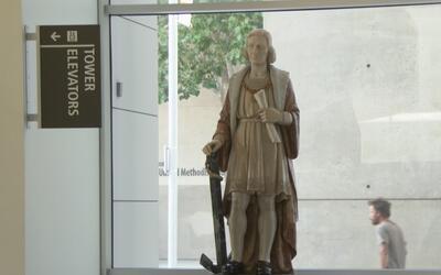Grupos de activistas en San José piden retirar una estatua de Cristóbal...