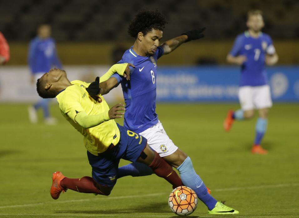 7. Douglas Luiz - Mediocampista (Brasil / Girona F.C.)