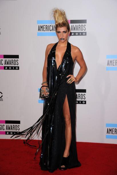 Kesha apareció en los MTV con bolsas de basura, así que no sorprende que...