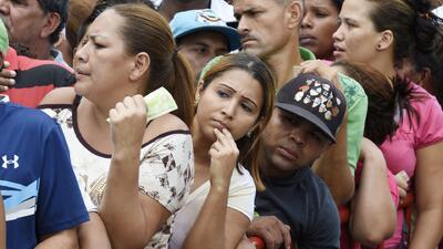 Venezolanos tienen nueva regulación de racionamiento de comida