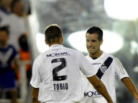 Con goles de Maxi Moralez y David Ramírez, ambos desde afuera del...