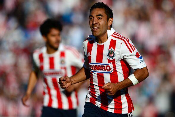 Otro que ha destacado con sus goles es Marco Fabián, el volante ha carga...