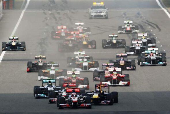 El alemán Sebastian Vettel logró la 'pole position' y aprovechó para tom...