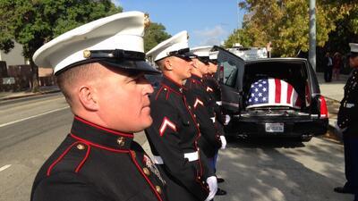 El solemne funeral militar del marine Carlos Segovia