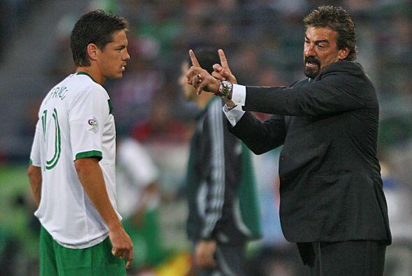 Además, La Volpe llevó las riendas de la Selección Méxicana, con la que...