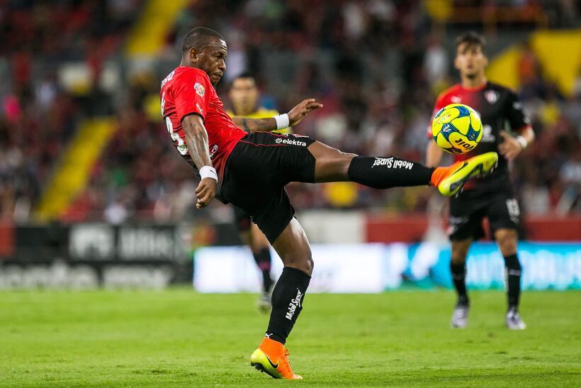 Con chilena de Avilés Hurtado, Xolos sacó el empate ante Atlas Leiton Ji...
