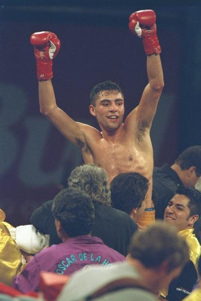 """El primer campeonato mundial que consiguió """"scar De la Hoya fue frente a..."""