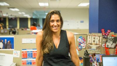Sara Valenzuela, directora de alcance comunitario latino.