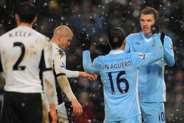 La dupla Dzeko-Aguero funciona y el 'City' disfruta de sus goleadores.