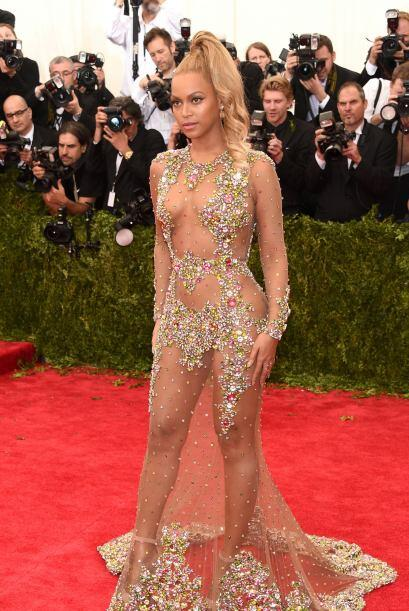 Beyoncé, Jennifer Lopez y Kim Kardashian, adoptaron esta tendencia en ve...