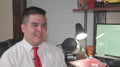 Creció en un barrio de mayoría hispana y logró ser becado en 32 universidades de Estados Unidos