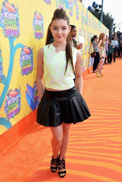Fátima Ptacek, princesa que da voz a la serie animada Dora la explorador...