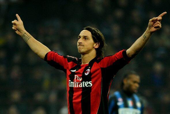 El sueco Zlatan Ibrahimovic, ex Inter, convirtió el tiro en gol.