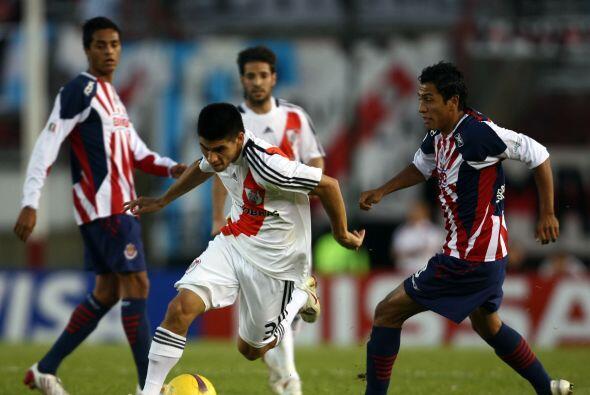 Otro equipo mexicano que enfrentó a los Millonarios en el Monumental fue...