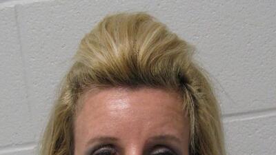 La maestra de Ciencias Sociales de Katy ISD fue arrestada por tener rela...