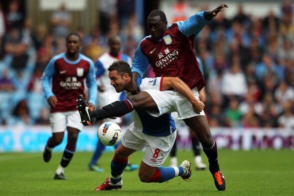 Aston Villa impuso su clase ante un Blackburn Rovers que estuvo perdido...