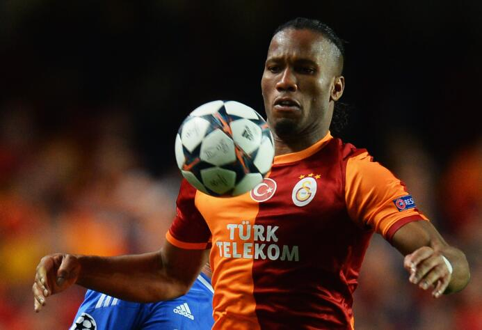 El álbum de fotos de la colorida carrera de Didier Drogba GettyImages-47...