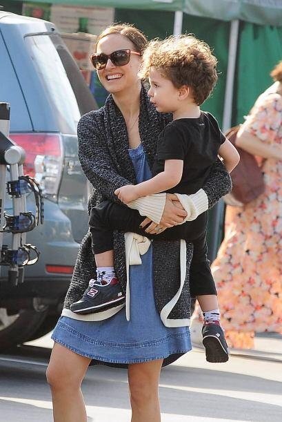 Benjamin se encargó de todo mientras Nat cuidaba al nene.