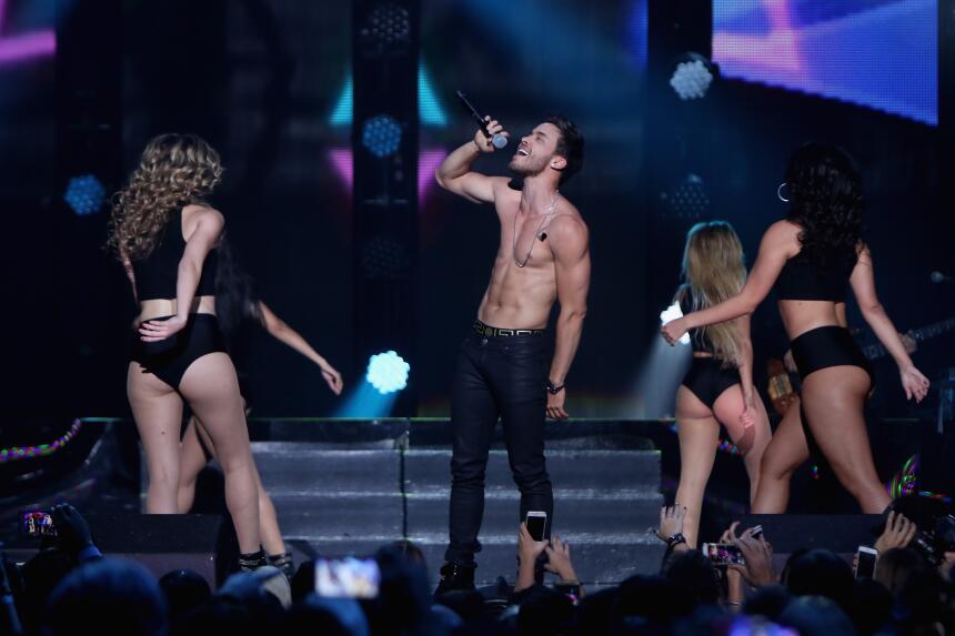 Lo más candente de iHeartRadio Fiesta Latina 2015