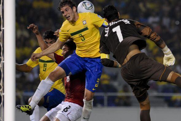 Aún así el cuadro sudamericano tuvo sus oportunidades de marcar.