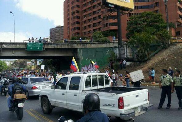Protestas el viernes en la urbanización Santa Fe, Caracas. Fotografía pu...
