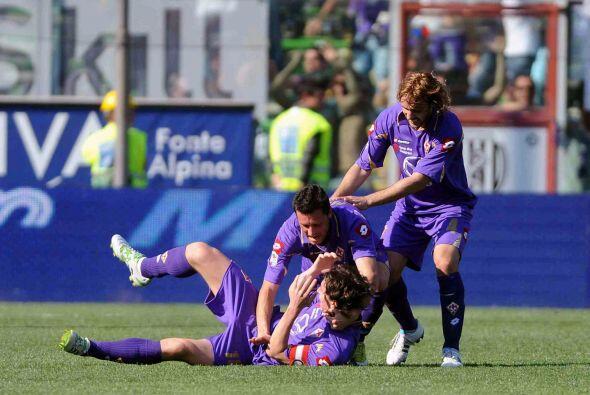 Alberto Gilardino y Riccardo Montolivo marcaron sendos goles para darle...