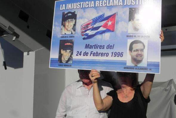 Un grupo del exilio cubano mostró los rostros de los asesinos de los cua...