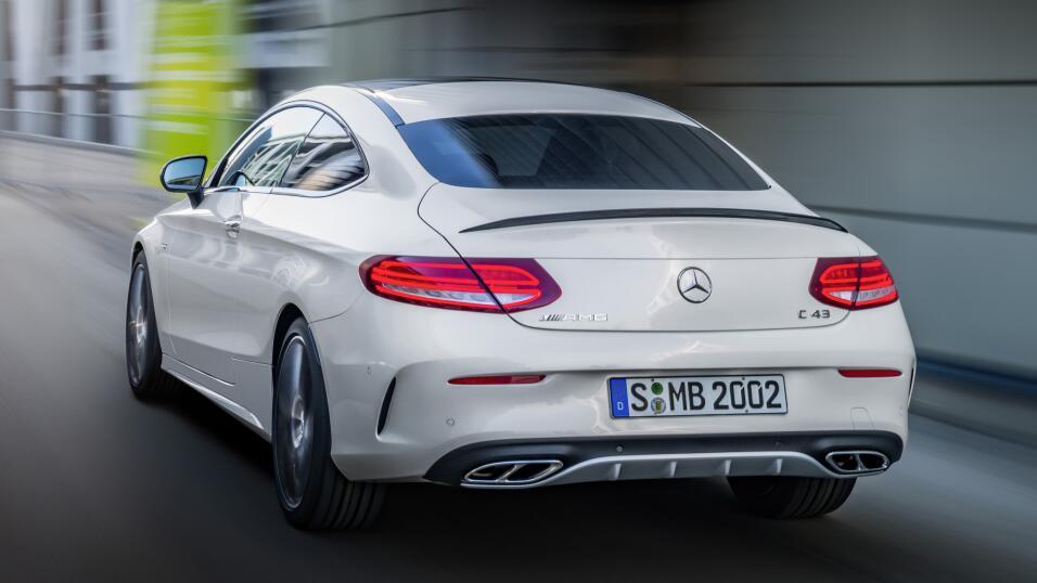 Prueba: Mercedes Clase C 2017, un deportivo de lujo a un precio justo 16...