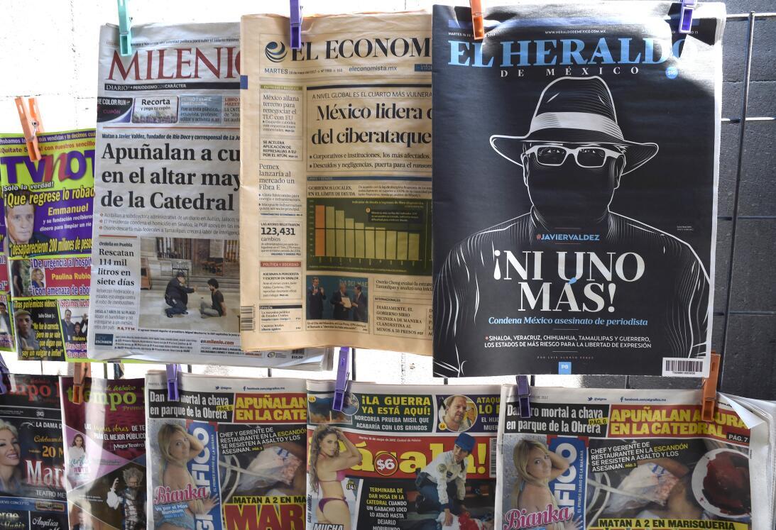 En fotos: Periodistas se manifiestan por la muerte de Javier Valdez Gett...