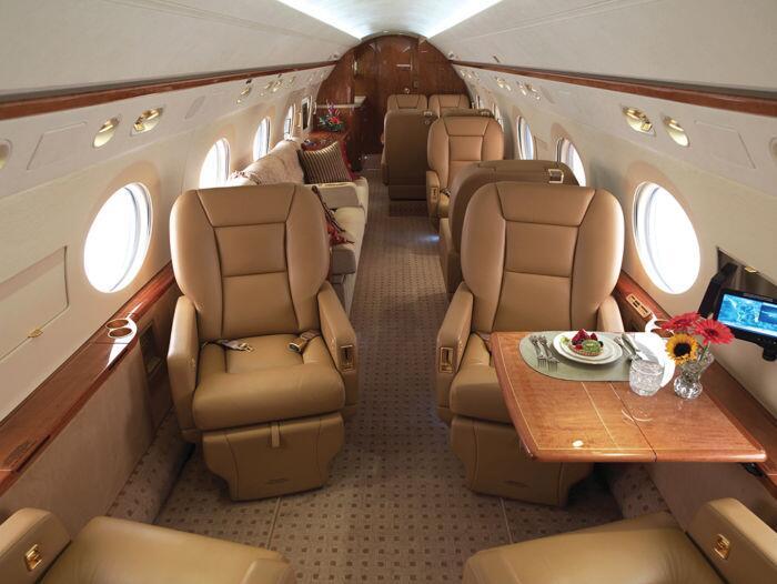 El Gulfstream de Steve Jobs fue cedido a su esposa Laurine Powell, tiemp...