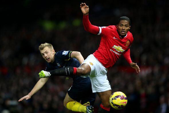 Aquí vemos uno de los pocos intentos de Valencia que terminó con un rema...