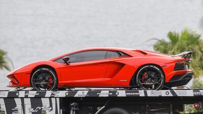 Fotos: Justin Bieber ahora tiene un Lamborghini rojo (y creemos saber qué pasó con el modelo en azul)