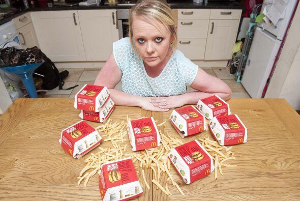 En tres años devoró más de mil hamburguesas con papas fritas y refresco.