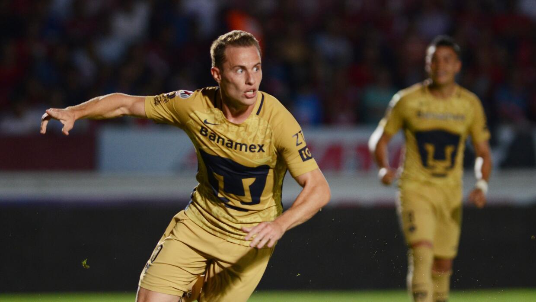 Abraham González celebra uno de los dos goles que marcó an...