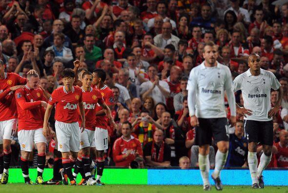 Contundente triunfo de 3-0 en favor del Manchester United, que está ahí...