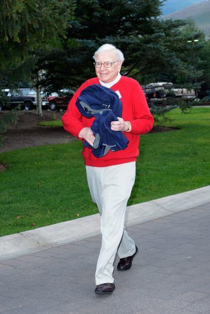 15. WARREN BUFFETT  Puesto- CEO Berkshire Hathaway.  Organización- Berks...