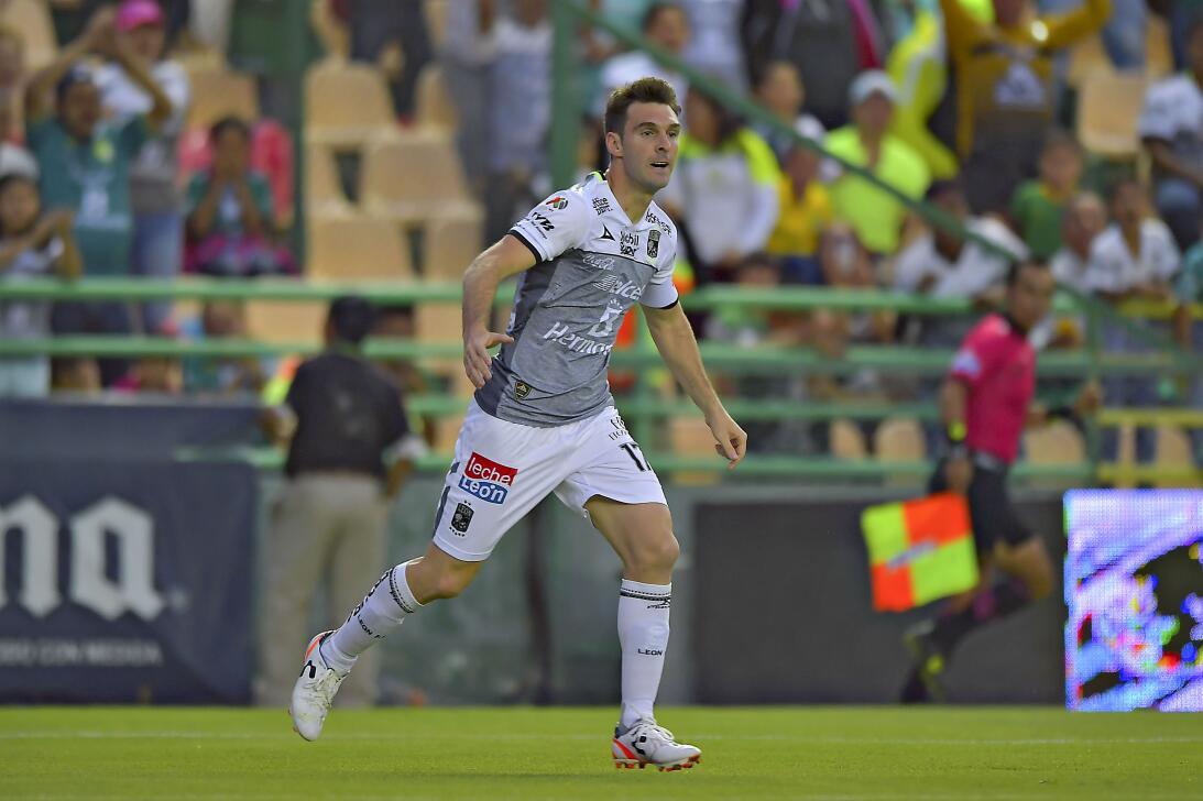 León vuelve a ganar y se acerca a la Liguilla Mauro Boselli gol.jpg