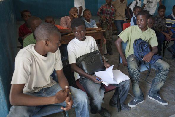 Otro objetivo de este proyecto es lograr la enseñanza primaria universal...