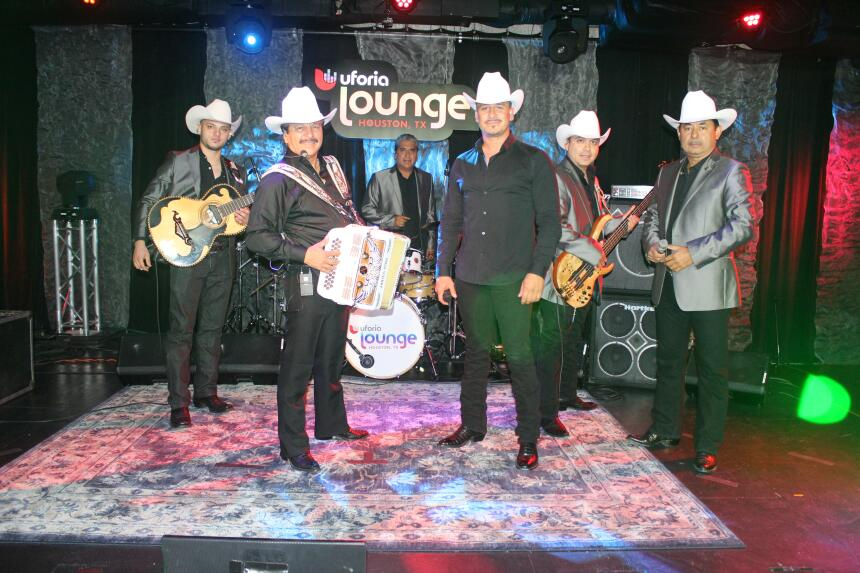 Los Invasores de Nuevo León - Uforia Lounge