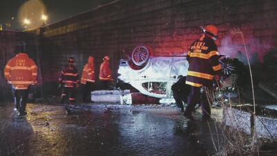 Una persona muere y otra resulta herida luego de que un vehículo cayera 25 pies de altura